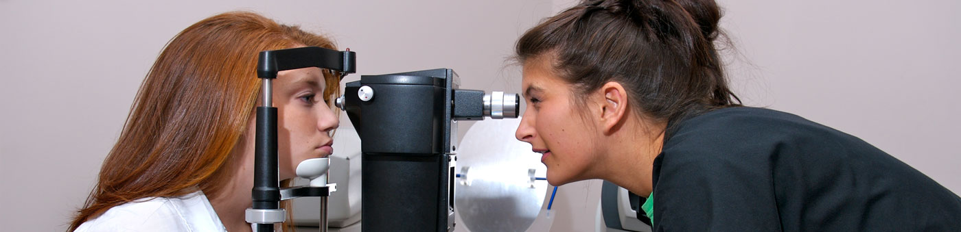 woman giving glaucoma exam